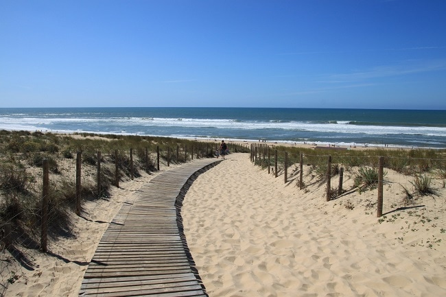 une plage dans les landes, département du gagnant Loto