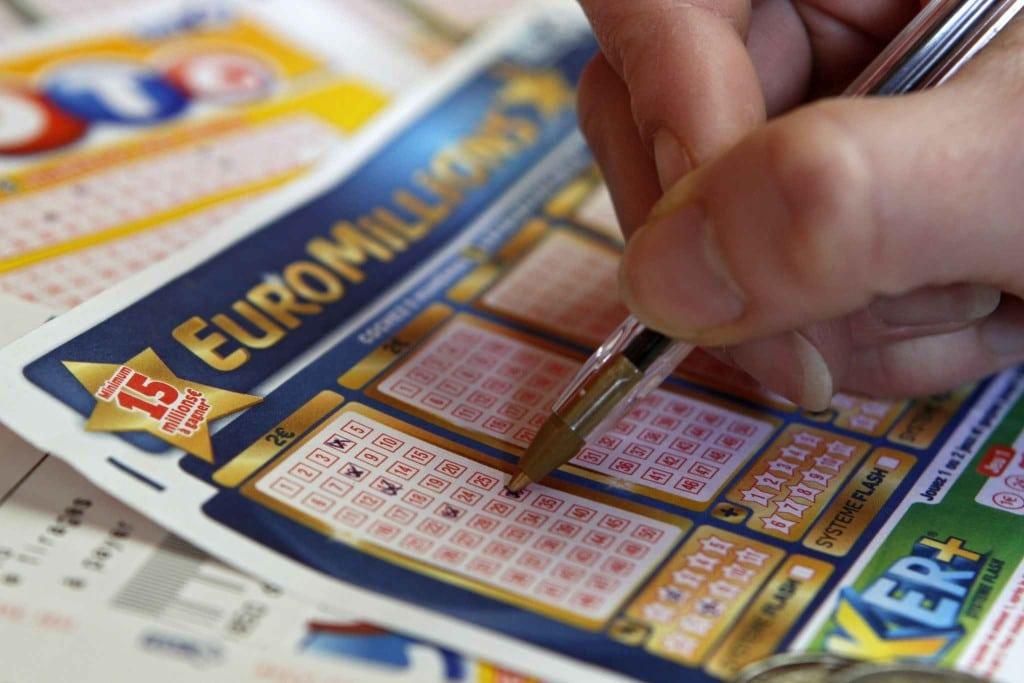 Online poker win real money