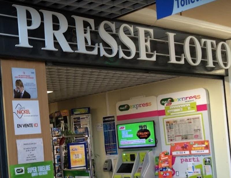 Tabac Presse à Erstein