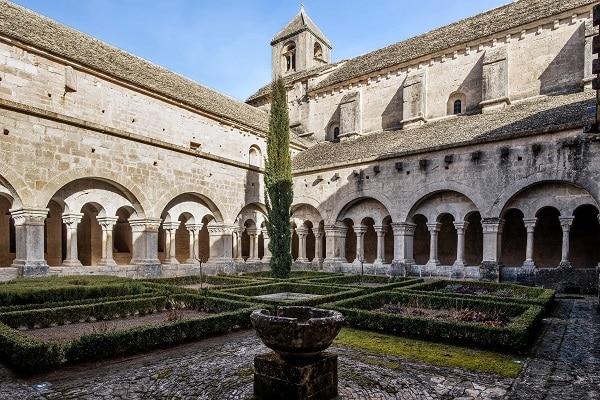 Abbaye de Senaque dans le Luberon