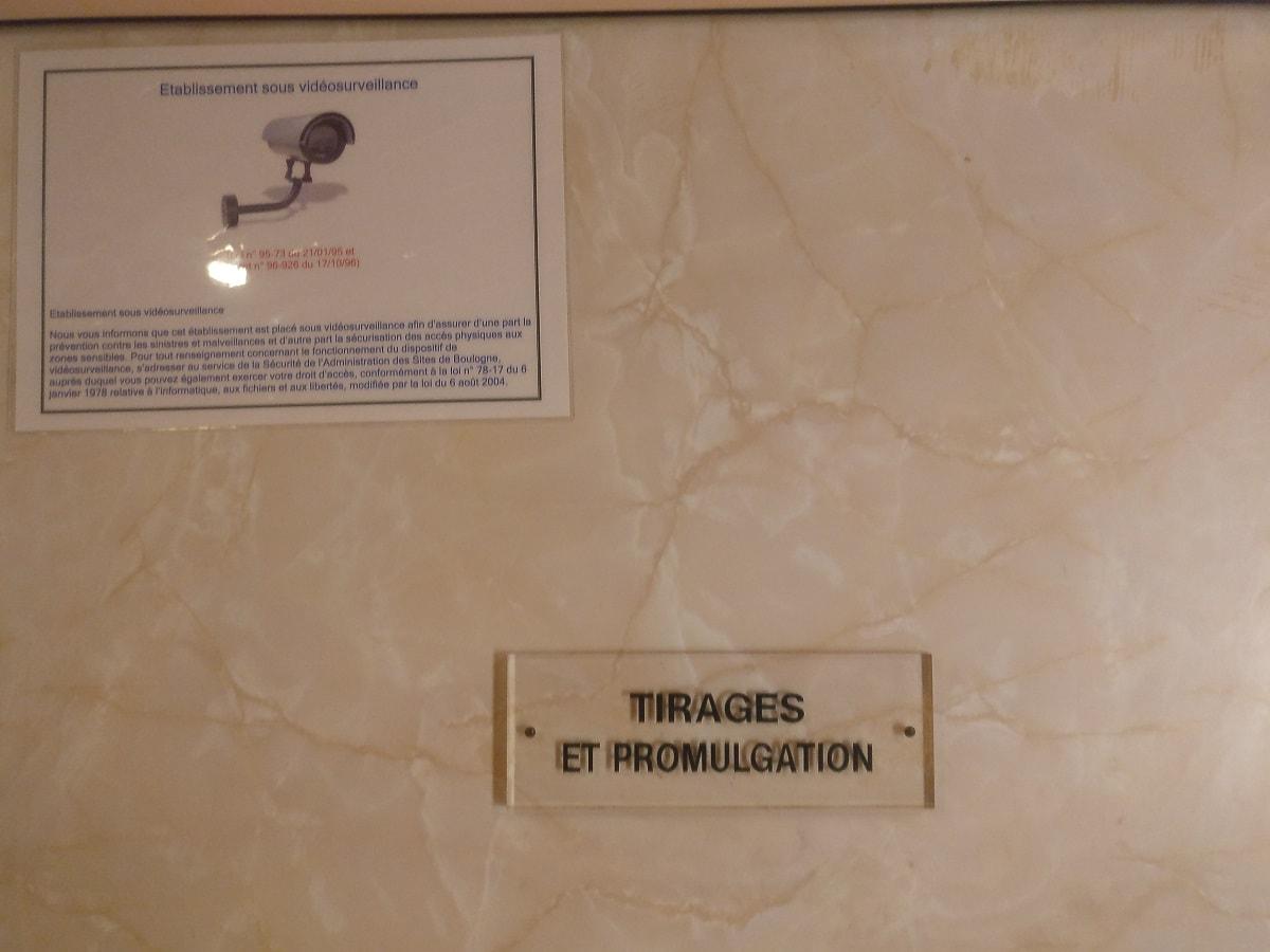 salle du tirage et promulgation Euromillions où sont rangées les boules officielles