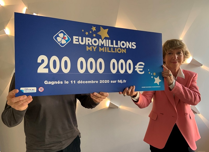 Remise du chèque Euromillions pour 200 millions d'euros